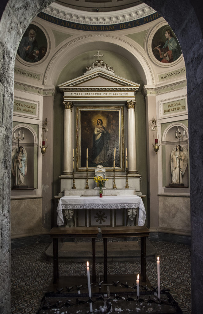 fotografia interni chiesa roma architettura